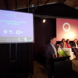Conferencia La mujer en la Agro Industria (14)